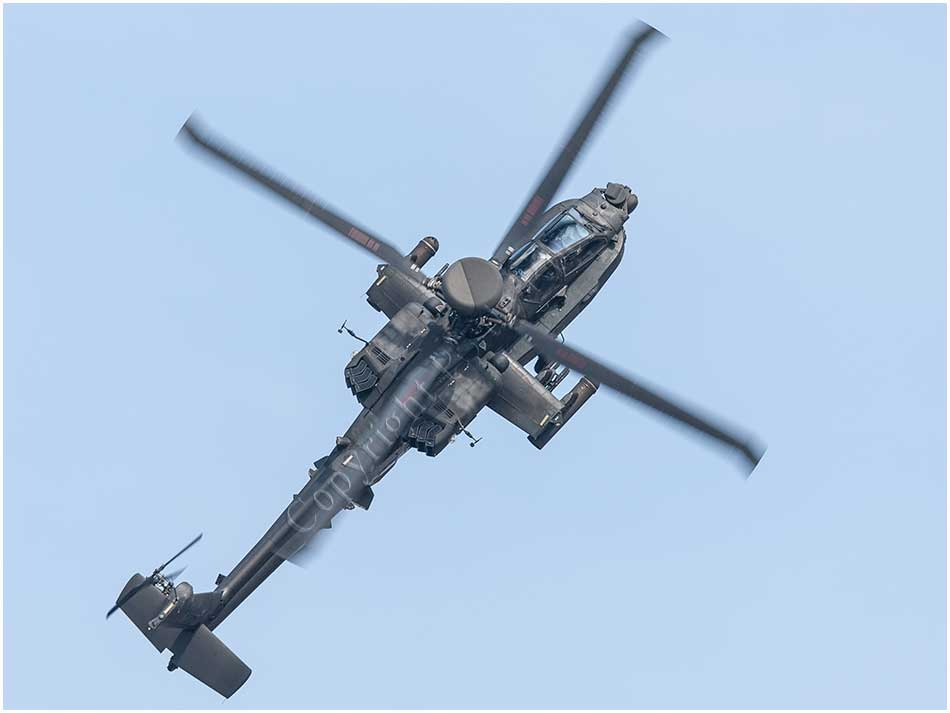 Boeing AH64 Apache helecopter